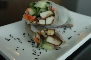 Thai Rice Wraps with Peanut Sauce